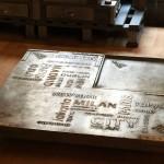 Table industrielle en acier + pochoirs