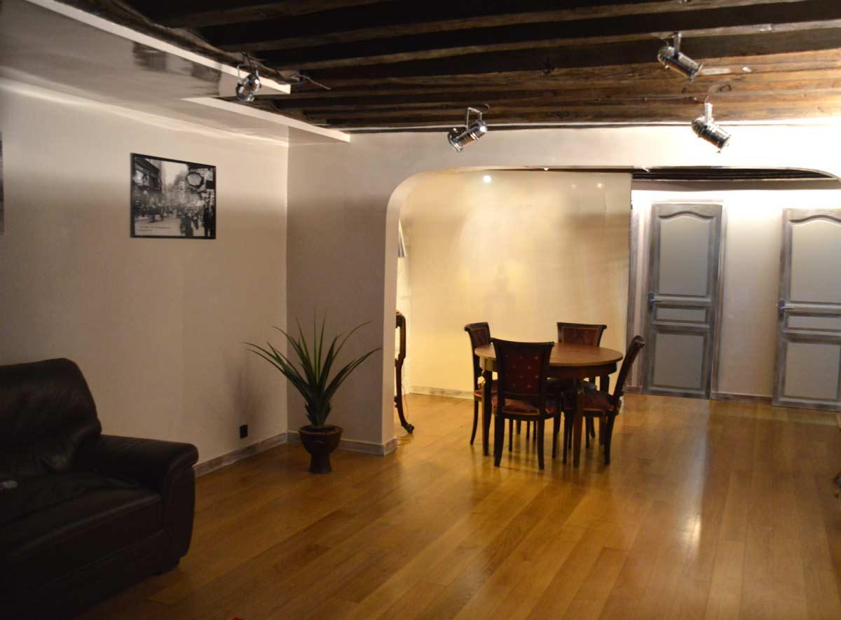 un loft style industriel au structures m talliques cr ations d co industrielle 3d. Black Bedroom Furniture Sets. Home Design Ideas
