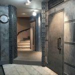 Hall-après-travaux également style industriel,décoration hall d'entrée immeuble