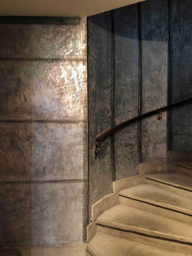 murs style industriel métal oxydés rivetés