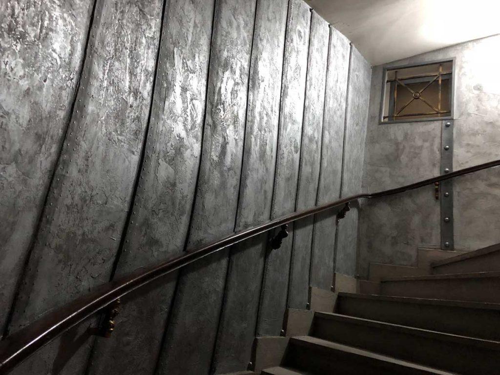 des murs style industriel métal restaurant nautilus jules verne