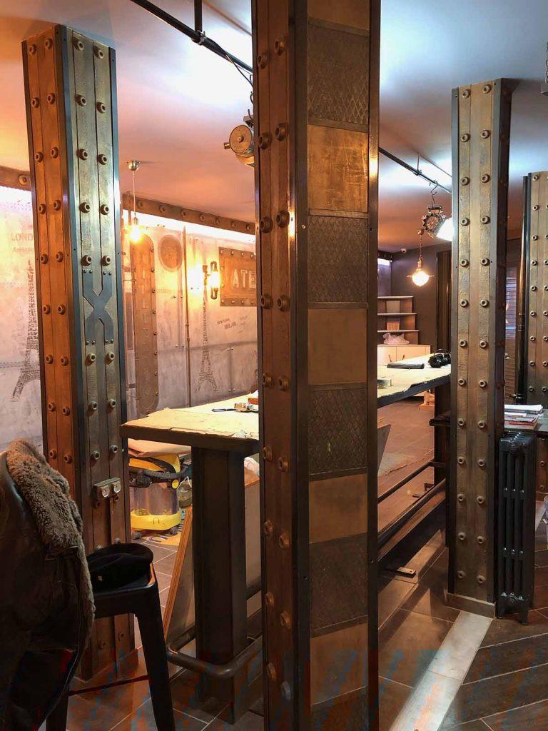 bars et pubs style industriel avec IPN style Eiffel