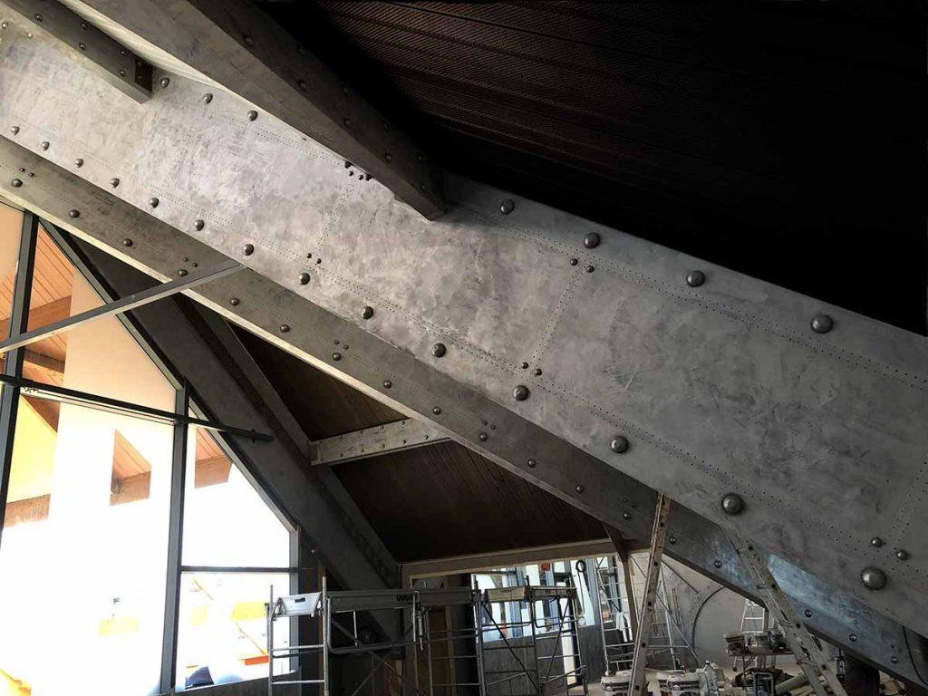 murs style industriel poutres boulonnées et rivetées